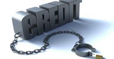 Українцям можуть дозволити не повертати борги по валютних кредитах